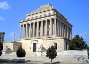 الاعجوبة الثانية Mausoleumbg3
