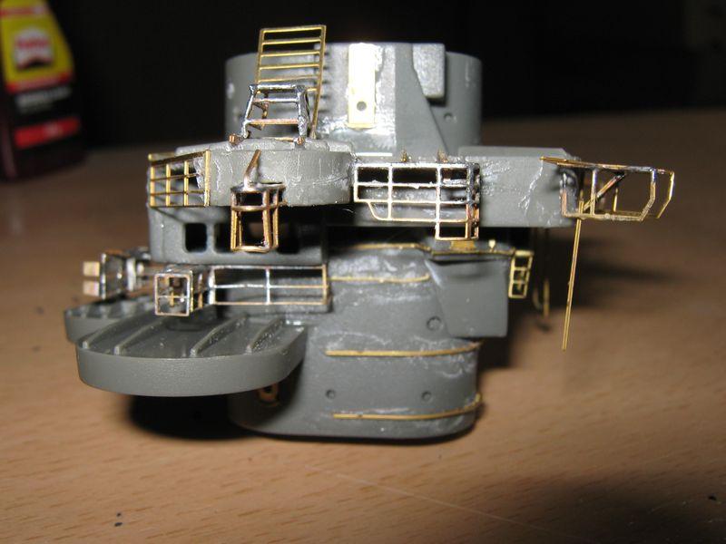 Schlachtschiff Bismarck von Amati 1/200 - Seite 5 Bismarck%200124