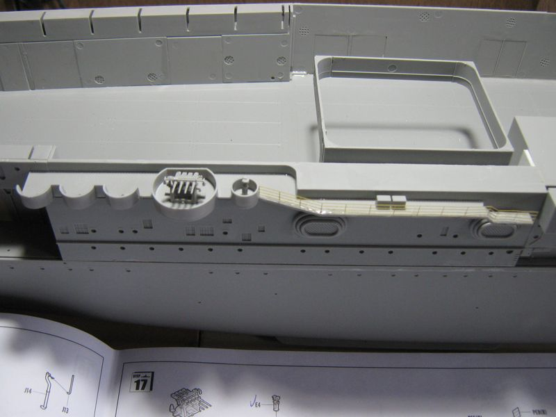 Merit RC Flugzeugträger CV 8 Hornet 1/200 Baubericht - Seite 4 Hornet%20078