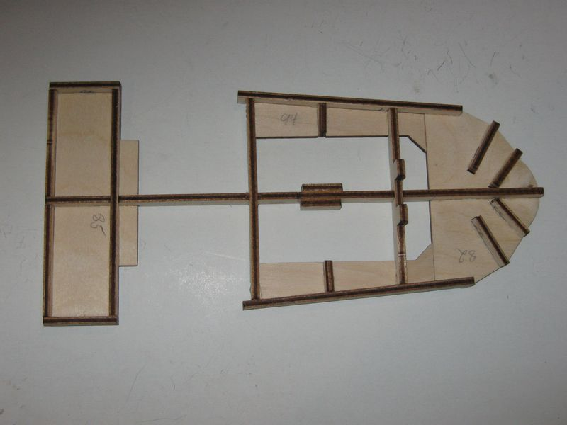 Bau der Tirpitz aus der Hachette Bismarck Heftserie 1/200 - Seite 5 Tirpitz%20047