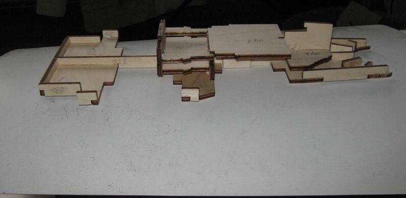Bau der Tirpitz aus der Hachette Bismarck Heftserie 1/200 - Seite 5 Tirpitz%20049