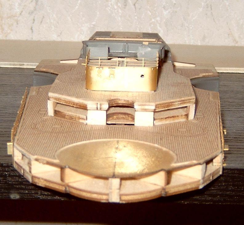 Schlachtschiff Bismarck von Amati 1/200 Bismarck%200047