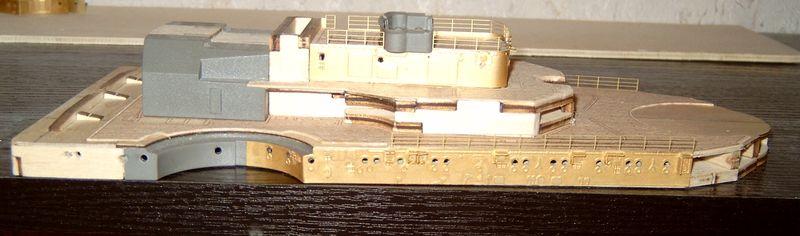 Schlachtschiff Bismarck von Amati 1/200 Bismarck%200048