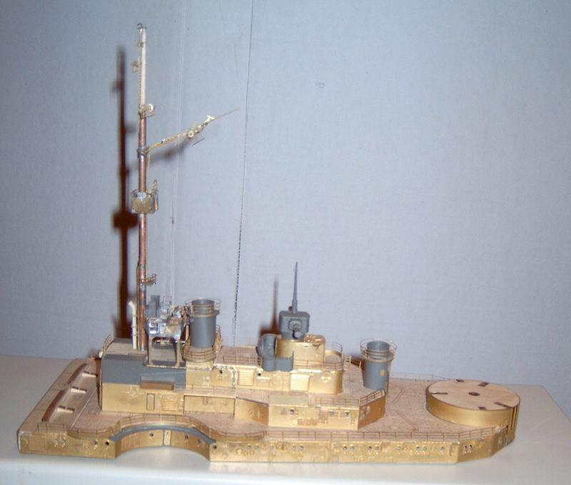 Schlachtschiff Bismarck von Amati 1/200 Bismarck%200055