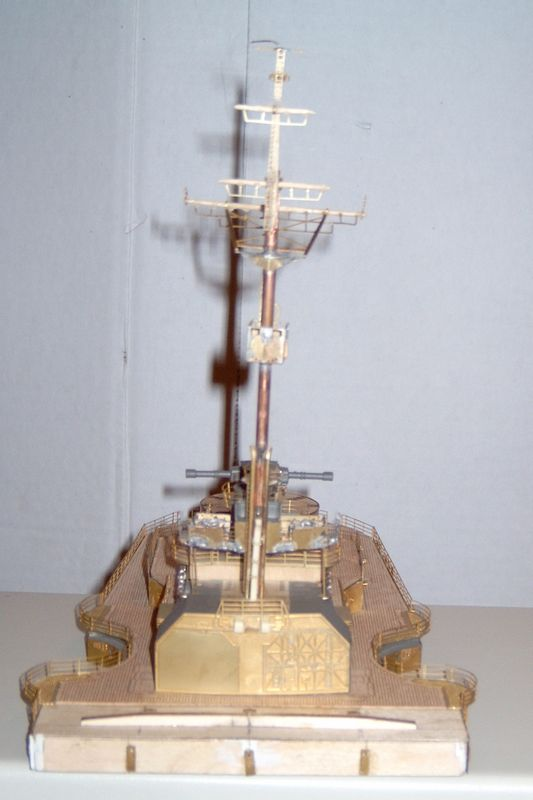 Schlachtschiff Bismarck von Amati 1/200 Bismarck%200056