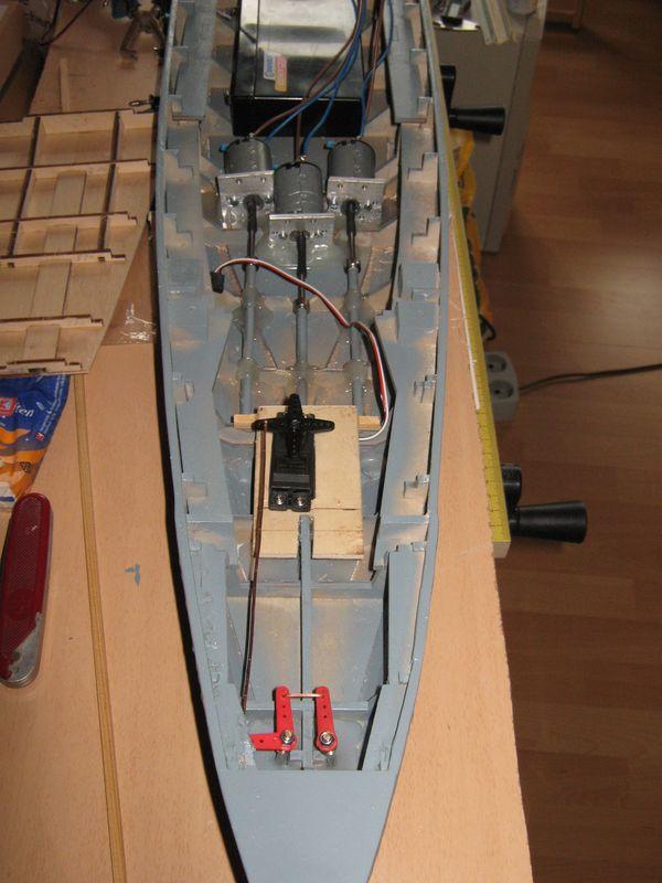 Schlachtschiff Bismarck von Amati 1/200 - Seite 3 Bismarck%200096