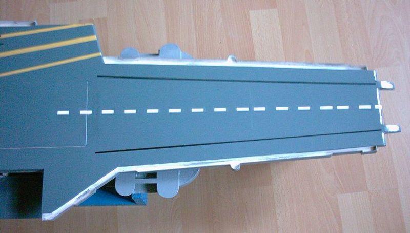 Flugzeugträger Forrestal 1/200 von kaewwantha - Seite 2 Forrestal%200072