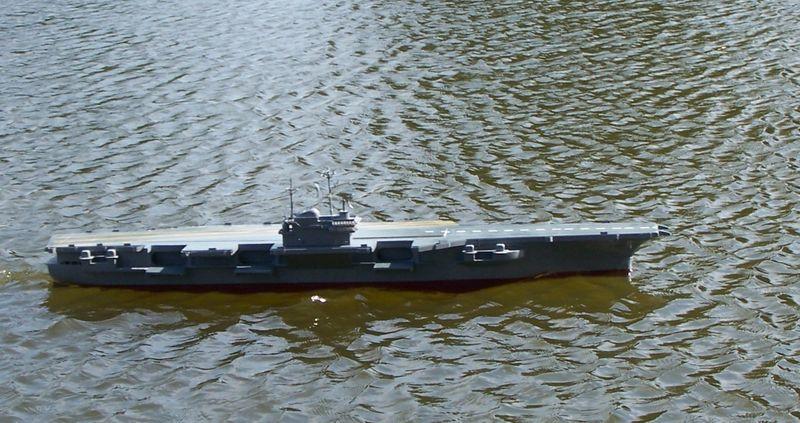 Flugzeugträger Forrestal 1/200 von kaewwantha - Seite 3 Forrestal%200129