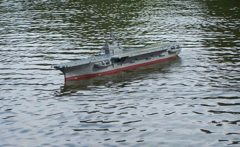 Flugzeugträger Forrestal 1/200 von kaewwantha - Seite 3 Forrestal%200139