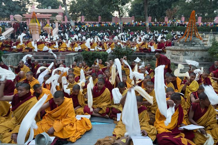 karmapa -     Maîtres Eveillés: L'Ornement du Monde : la Vision de Karmapa pour 2013 FIN-MONLAM-KATA