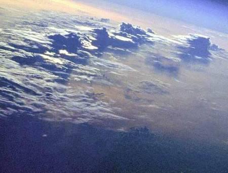 معجزة تشكل الغيوم ونزول المطر Cloud_formation_03