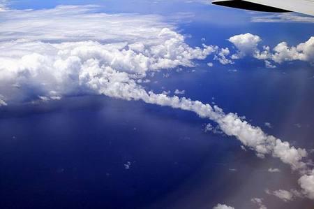 معجزة تشكل الغيوم ونزول المطر Cloud_formation_06