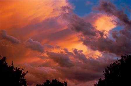 معجزة تشكل الغيوم ونزول المطر Cloud_formation_077