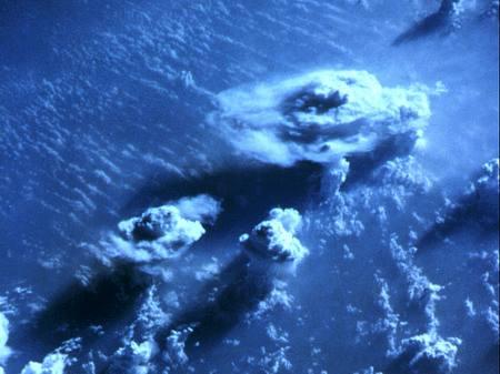 معجزة تشكل الغيوم ونزول المطر Cloud_formation_09