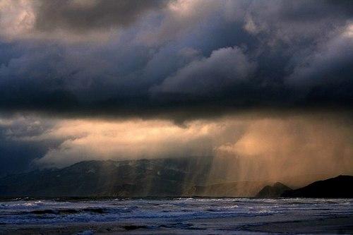 معجزة نبوية جديدة السماء تمطر ليل نهار Rain_night_day_03