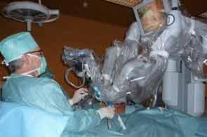 Première médicale en Tunisie : Prélèvement de greffon rénal par voie cœlioscopique  Chirurgie_11_15