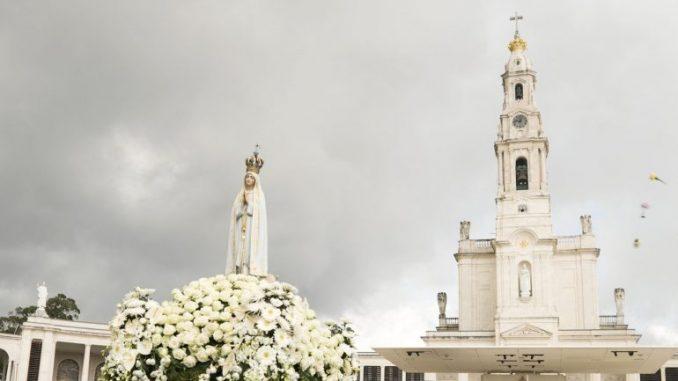 100 Jahre Fatima: Wunder für Heiligsprechung von Francisco und Jacinta Marto anerkannt? 7. Februar 2017 Nachrichten, Papst Franziskus 0 Unsere-Liebe-Frau-von-Fatima-1-678x381