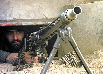 إسرائيل تبيع السلاح الذي صادرته من الفلسطينيين في لبنان إلى إيران !!! 1_73913_1_6