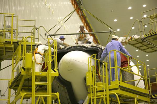 Lancement Proton-M Briz-M / EchoStar 14 (20/03/2010) Ech14_15_3A3U4214_L_1