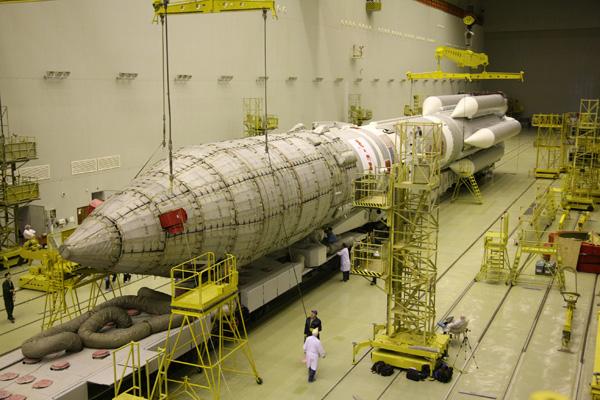 Lancement Proton-M Briz-M / EchoStar 14 (20/03/2010) Ech_14_15_3A3U4301_L