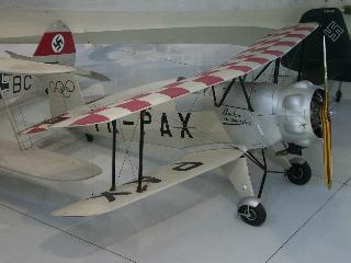 Bucker Bu-133B 1/72e Base Heller K%20Buecker%20Jungmeister%20Bu133%20NX40BJ%20YR-PAX%20%202