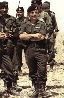 صور الملك حسين رحمة الله بالزي االعسكري Album_c113
