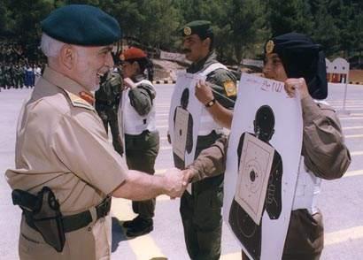 صور الملك حسين رحمة الله بالزي االعسكري Album_c119
