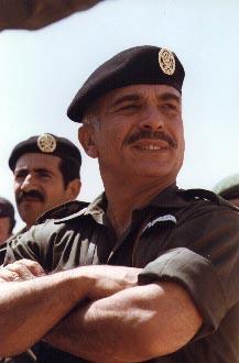 صور الملك حسين رحمة الله بالزي االعسكري Album_c285