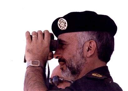 صور الملك حسين رحمة الله بالزي االعسكري Album_c287