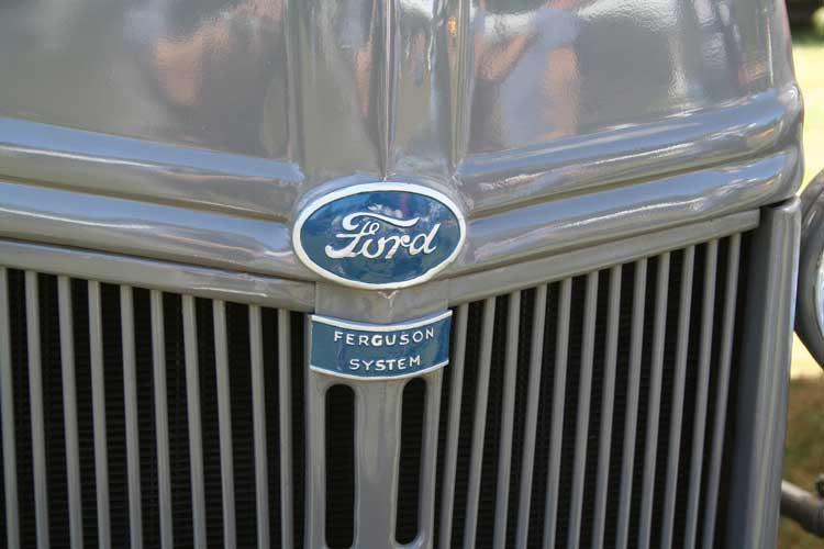 Tractores en fotos de época.  2008-8-6_FordFergWeb-Large