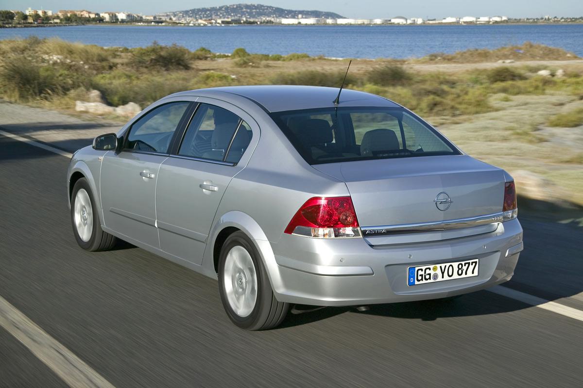 [Opel] Astra Sedan 002