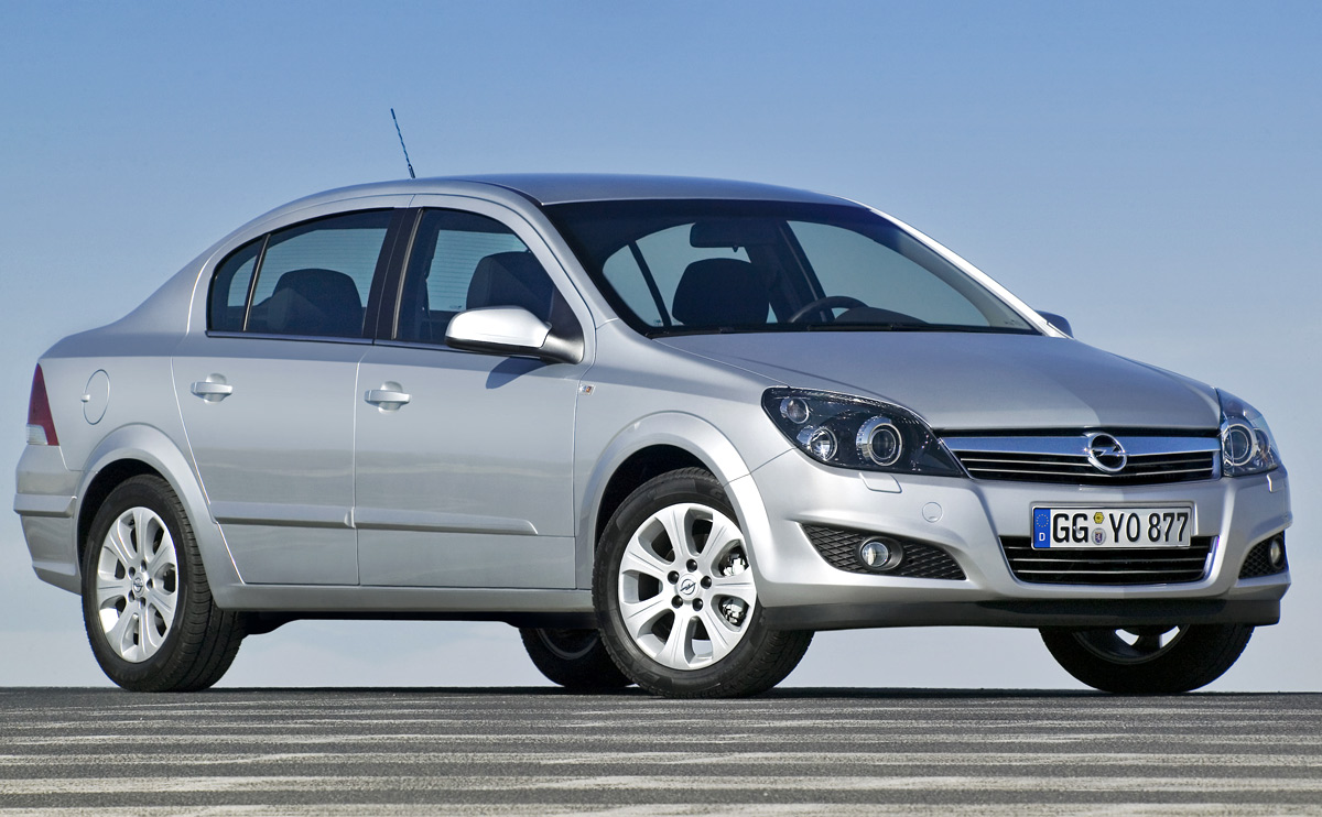 [Opel] Astra Sedan 007
