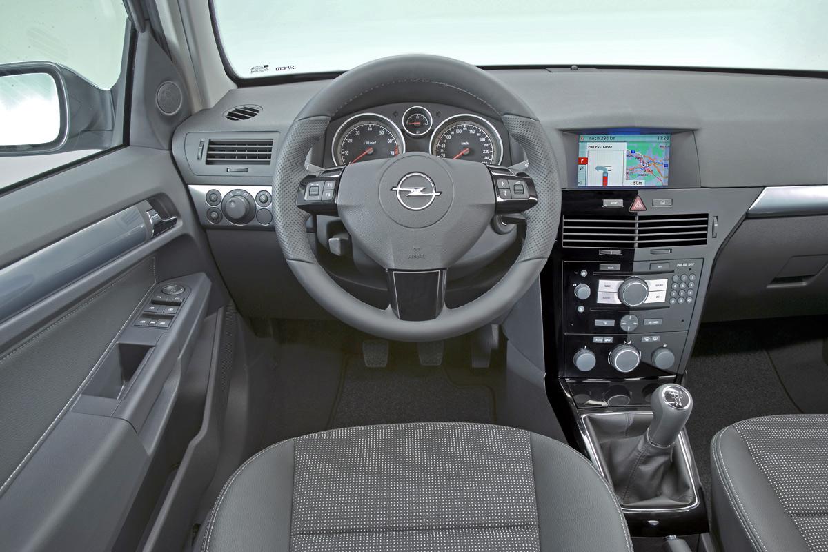[Opel] Astra Sedan 100