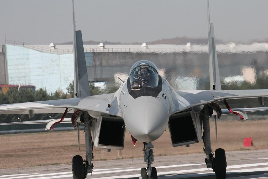 المقاتلة الروسية SU-35  المقاتلة التي لا تقهر 2nd_su-35_flight_09_big