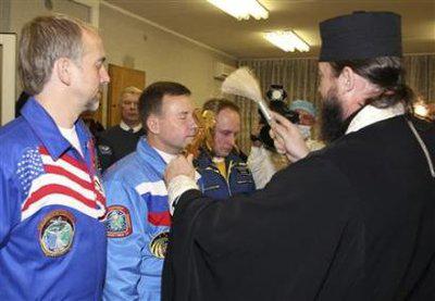 Le nouveau vaisseau Russe et sa fusée présentés fin mars 2009 Mkseo18-191