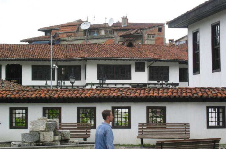 Djepat shqiptar dhe ritet tjera dhe foto historike - Faqe 6 PICT2862_563_thmb4