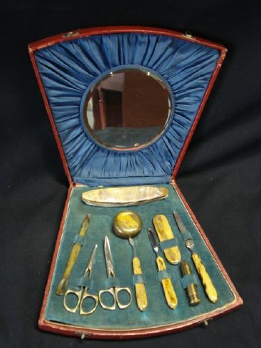 Zanimljivosti Collectible_-_Vintage_Ladies_manicure_set