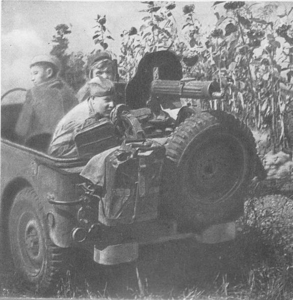 Un peloton original et peu connu :  Le peloton de jeeps blindées du 9ème escadron du 1er REC  (Laos - mai-novembre 1953) . 1398688057
