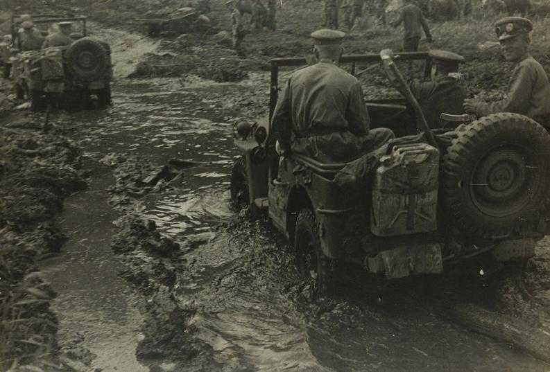 Un peloton original et peu connu :  Le peloton de jeeps blindées du 9ème escadron du 1er REC  (Laos - mai-novembre 1953) . 1429276991