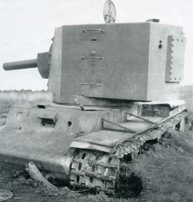 КВ-2 с большой башней (август 1940 г.) Big_kv2b-004-001