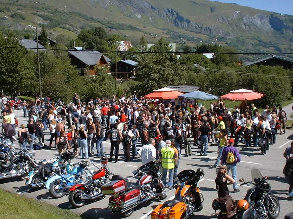 Semaine moto à La Toussuire du 9 au 17 juillet Concentre_la_toussuire_2007_(1)