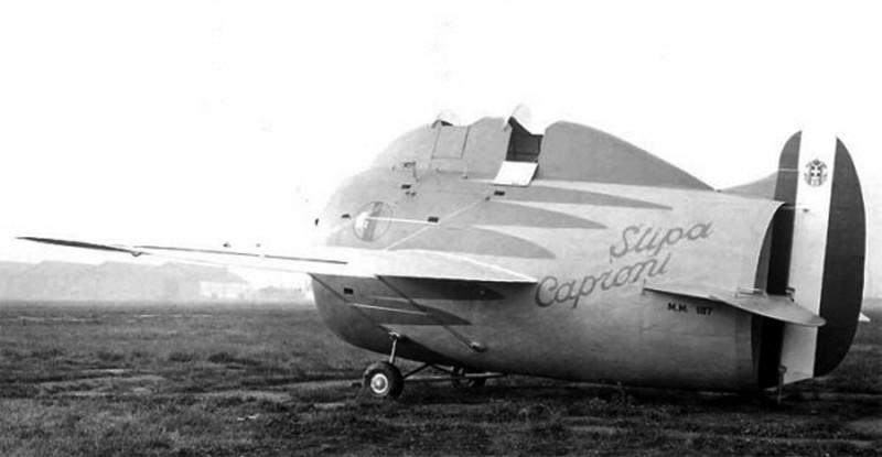 Le Stipa-Caproni : un avion tonneau précurseur du moteur à réaction ! Stipa-caproni-avion-italie-06-800x415