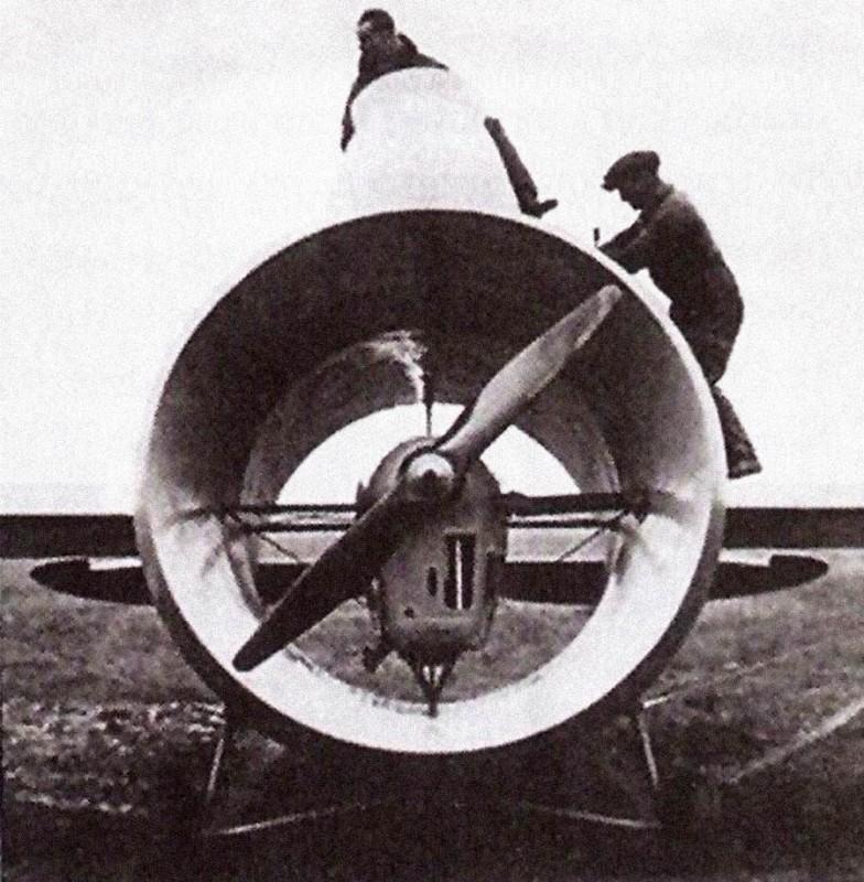 Le Stipa-Caproni : un avion tonneau précurseur du moteur à réaction ! Stipa-caproni-avion-italie-07-784x800