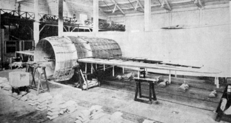Le Stipa-Caproni : un avion tonneau précurseur du moteur à réaction ! Stipa-caproni-avion-italie-10-800x426