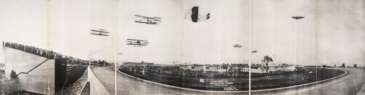 Des photos panoramiques anciennes de véhicules (Reportage photo) By Laboiteverte 02-1st-Natl-Aviation-Meet-Indianapolis-Motor-Speedway-June-13-18-1910-1280x334