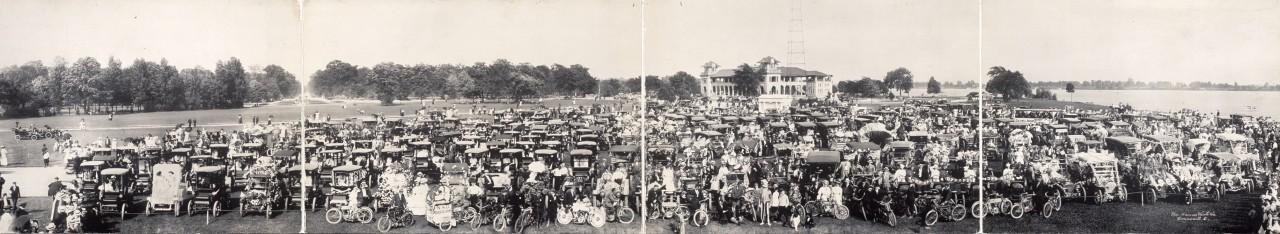 Des photos panoramiques anciennes de véhicules (Reportage photo) By Laboiteverte 06-Automobile-panorama-detroit-1909-1280x234