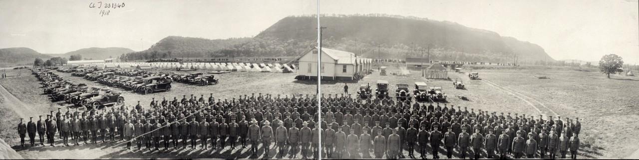 Des photos panoramiques anciennes de véhicules (Reportage photo) By Laboiteverte 27-Motor-Corps-Co-of-Minn-1918-1280x322