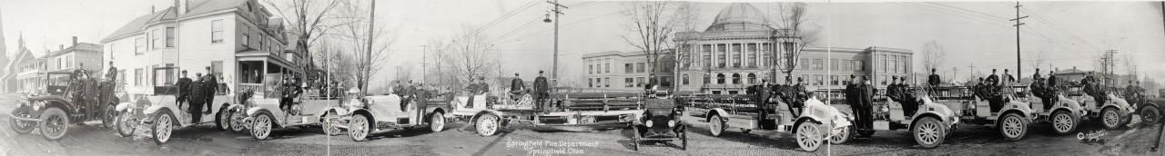 Des photos panoramiques anciennes de véhicules (Reportage photo) By Laboiteverte 35-Springfield-Fire-Department-Springfield-Ohio-1917-1280x172