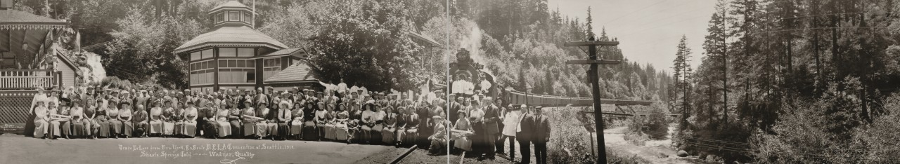 Des photos panoramiques anciennes de véhicules (Reportage photo) By Laboiteverte 40-Train-De-Luxe-from-New-York-en-route-NELA-convention-at-Seattle-1912-Shasta-Springs-1280x234