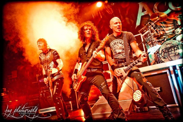 Accept - Page 2 2396